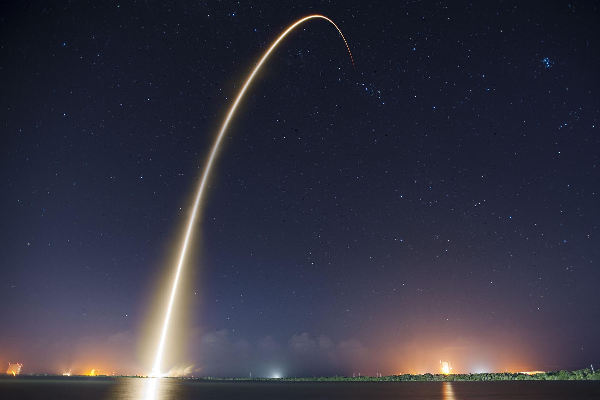 Raketenstart, Zukunft, Reise ins Weltall